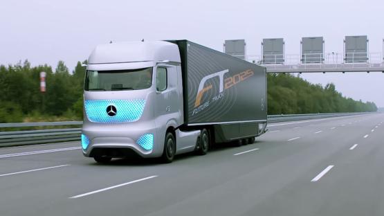 Az önvezető járműveké a jövő a személy-, és árufuvarozásban - Videó