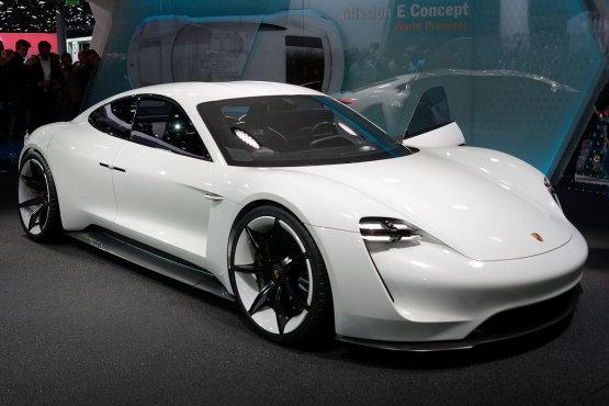 A Porsche rákapcsol az elektromos autók gyártására