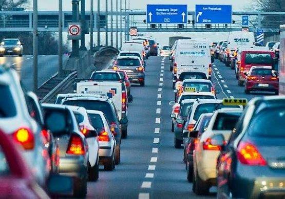 Biztonságosabb és kevésbé szennyező autók jönnek