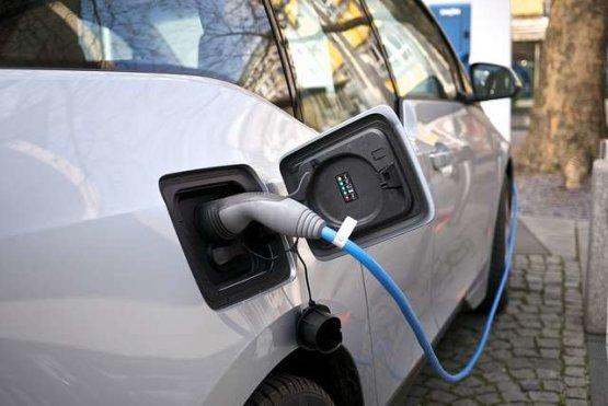 Elektromos autótöltés: melyik lesz a nyerő árazási mód?