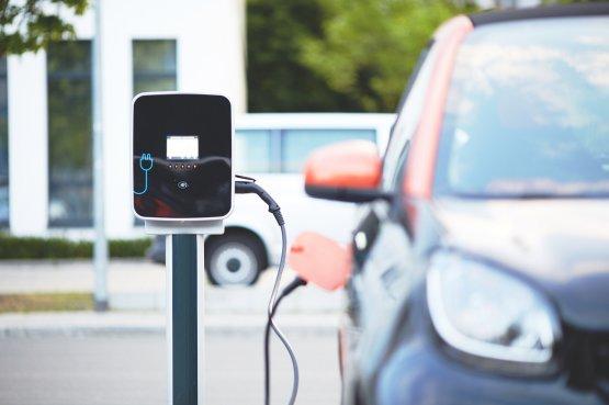 Először csökkent az elektromos autók iránti kereslet