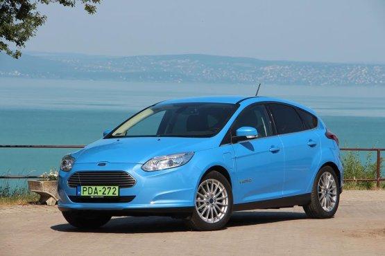Elektromos Ford Focus népszerűsíti a villanyautózást