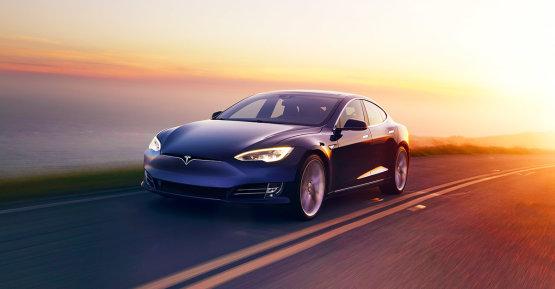 Mitől fordulna nyereségbe idén a Tesla?