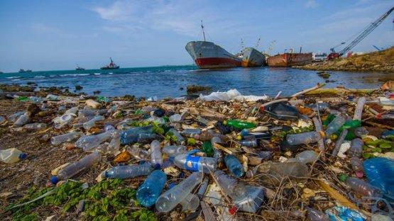 Az Európai Bizottság kötelezővé tenné az újrahasznosítható műanyag-csomagolást 2030-ra