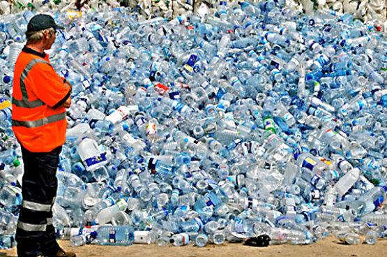 A brit kormány óriásprojektet indított műanyaghulladékok felszámolására