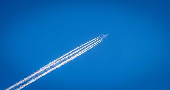 Egyszerű változtatással lehetne lényegesen zöldebb a repülés