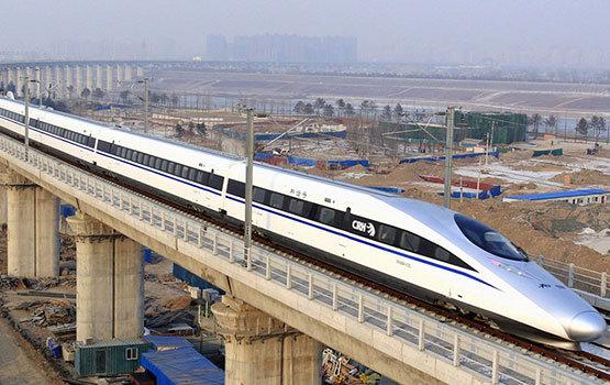 Két év alatt 5000 kilométer nagysebességű vasútvonalat épít Kína