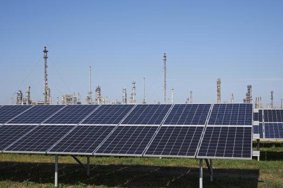Három saját telepítésű napelemparkkal indul meg a MOL