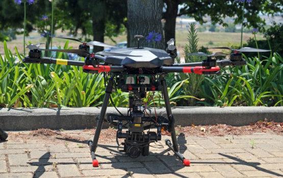 Drónokkal, kutyákkal spórolnak milliárdokat az energiacégek