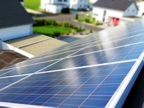 Nagyot ugrott és beérte a szélenergiát a napenergia-termelés Magyarországon