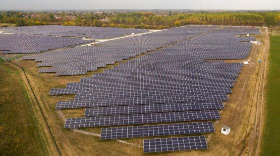 Ismét új naperőműveket adtak át Magyarországon, robbanás előtt a szektor