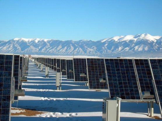 Új világcsúcsot állított fel és mérföldkőhöz ért a napelemipar
