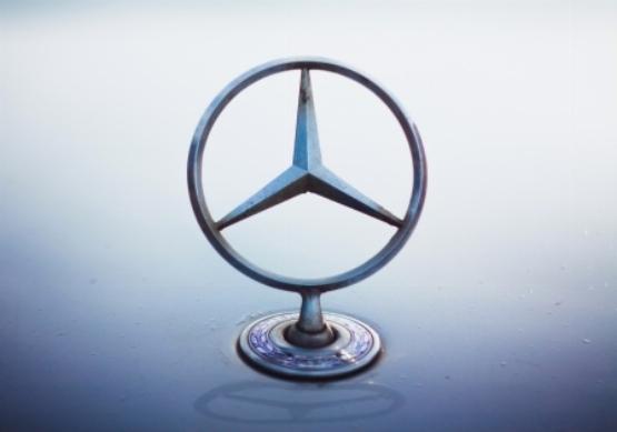 A Mercedest is elérte a dízelbotrány