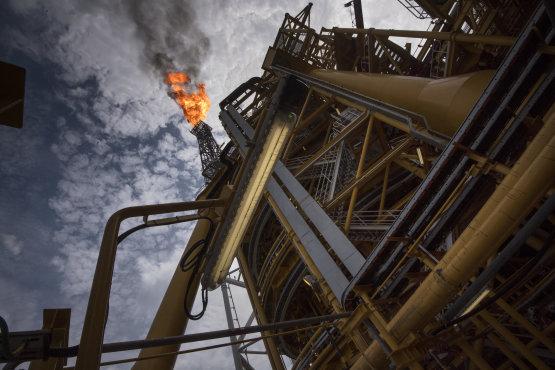Az olajipari cégek sokat beszélnek a megújulókról, de a pénztárcájukkal máshova szavaznak