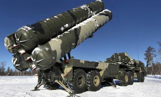 Putyin tízéves fegyverkezési programot jelentett be