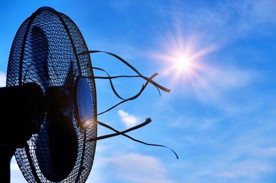 Tornázza lejjebb a hűtési költségeket anélkül, hogy megsülne a lakásban a nyáron