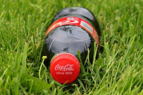 Először közölte a Coca-Cola, mennyi műanyag csomagolást termelnek egy évben