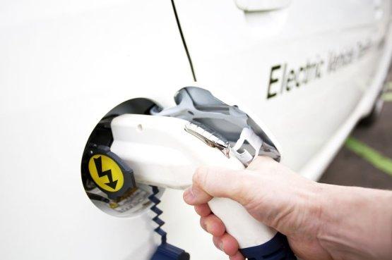 Árcsökkenés jöhet az elektromos autók piacán