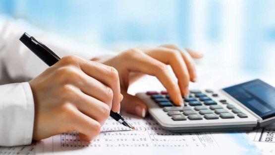 Lehúzhatják a rolót a könyvelők - hamarosan a NAV készíti el az adóbevallásokat