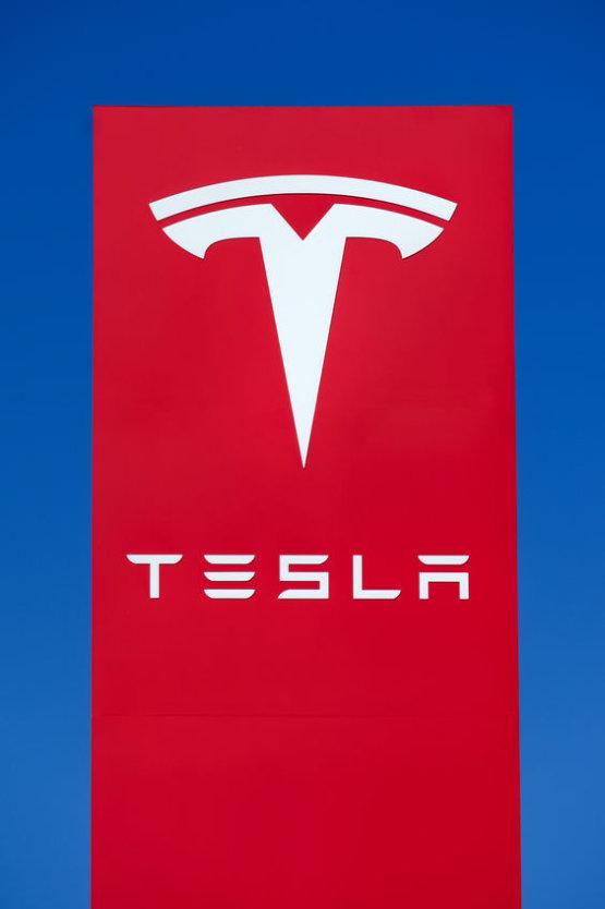 Történetének legrosszabb negyedévén van túl a Tesla, de van minek örülniük
