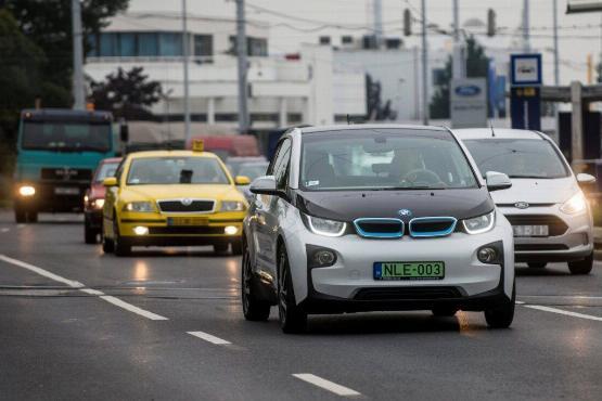 Adókedvezmény az elektromos autókra és plug-in hibridekre